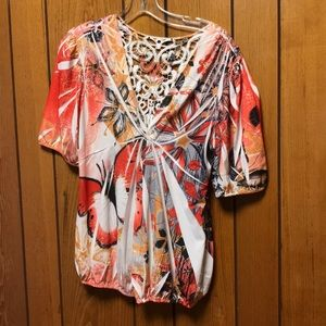 Butterfly print knotted crochet back blouse